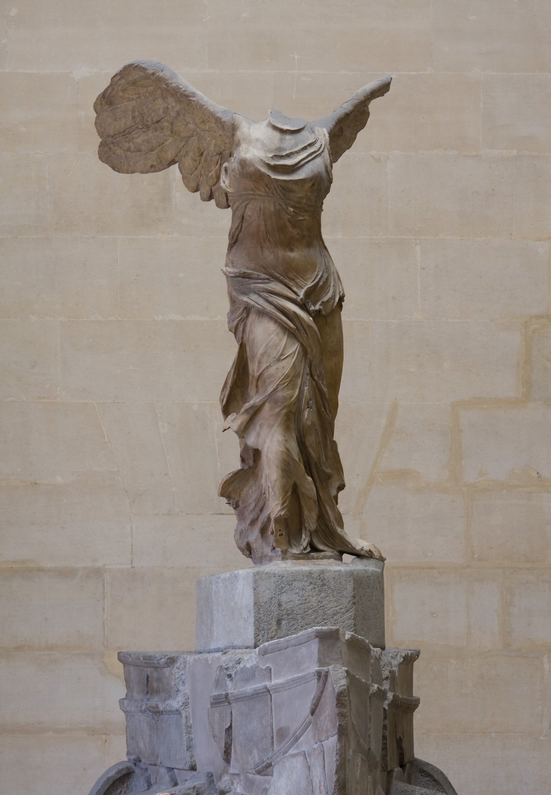 nike of samothrace The winged victory of samothrace, also called the nike of samothrace, [1] is a second century bc marble sculpture of the greek goddess nike (victory) since 1884, it has been prominently displayed at the louvre and is one of the most celebrated sculptures in the world.